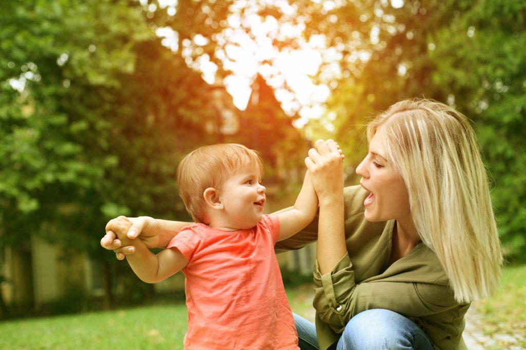 赤ちゃんの言葉の発達をサポート!言葉のキャッチボールの大切さ!